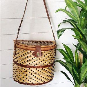 Vintage Large Wicker Picnic Basket/Bag w Glasses